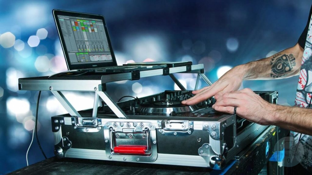 buyers guide - how to choose the best starter dj controllers for beginners
