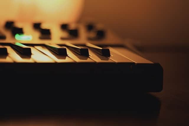 Midi Keyboards: Best Guide for the Beginners