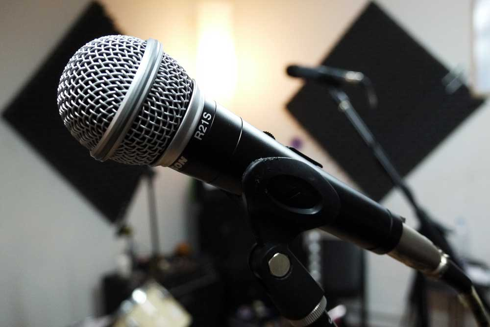 Best Dynamic Microphone affordable beginners