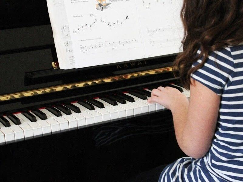 10 Great Singing Exercises And Tips For Singers