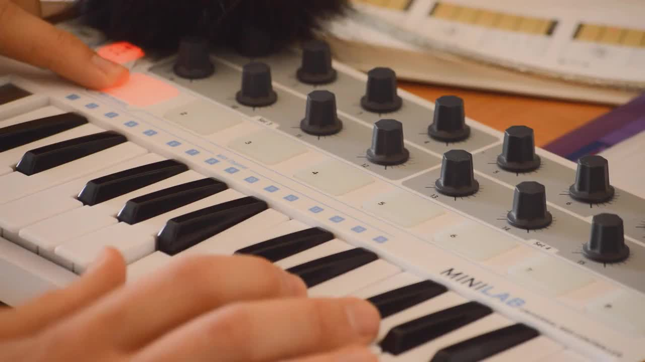 top 5 best midi keyboards for garageband in 2019 blue buzz music. Black Bedroom Furniture Sets. Home Design Ideas