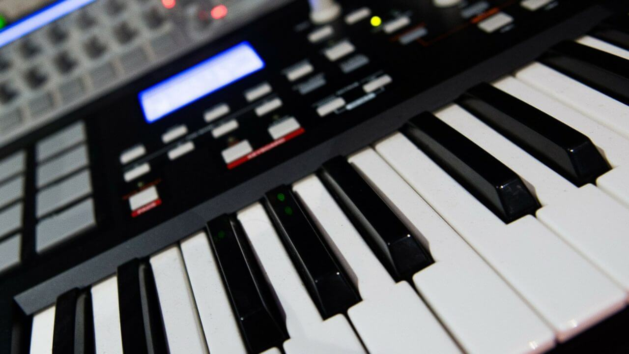 best cheap midi keyboards under 100 to buy