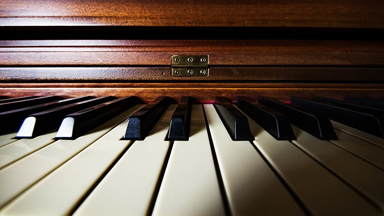 easy pop songs to play on piano